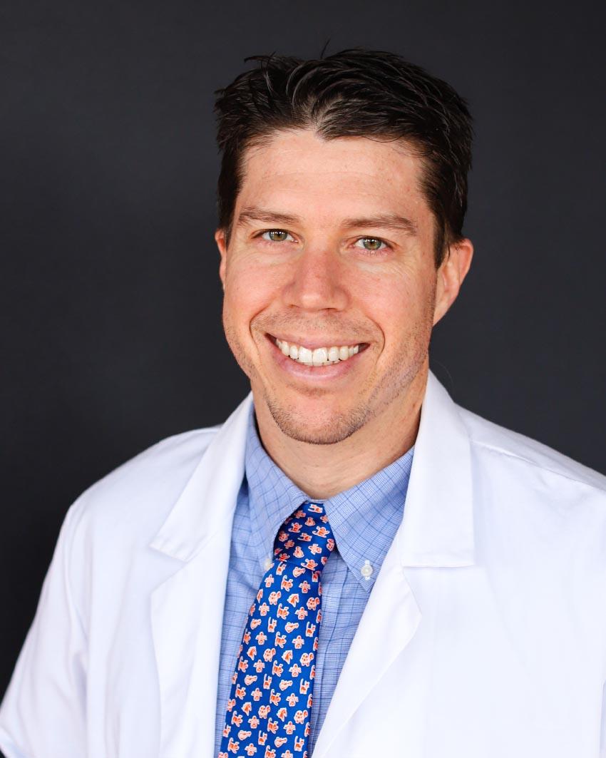 Mauricio Dujowich sBend veterinary surgeon