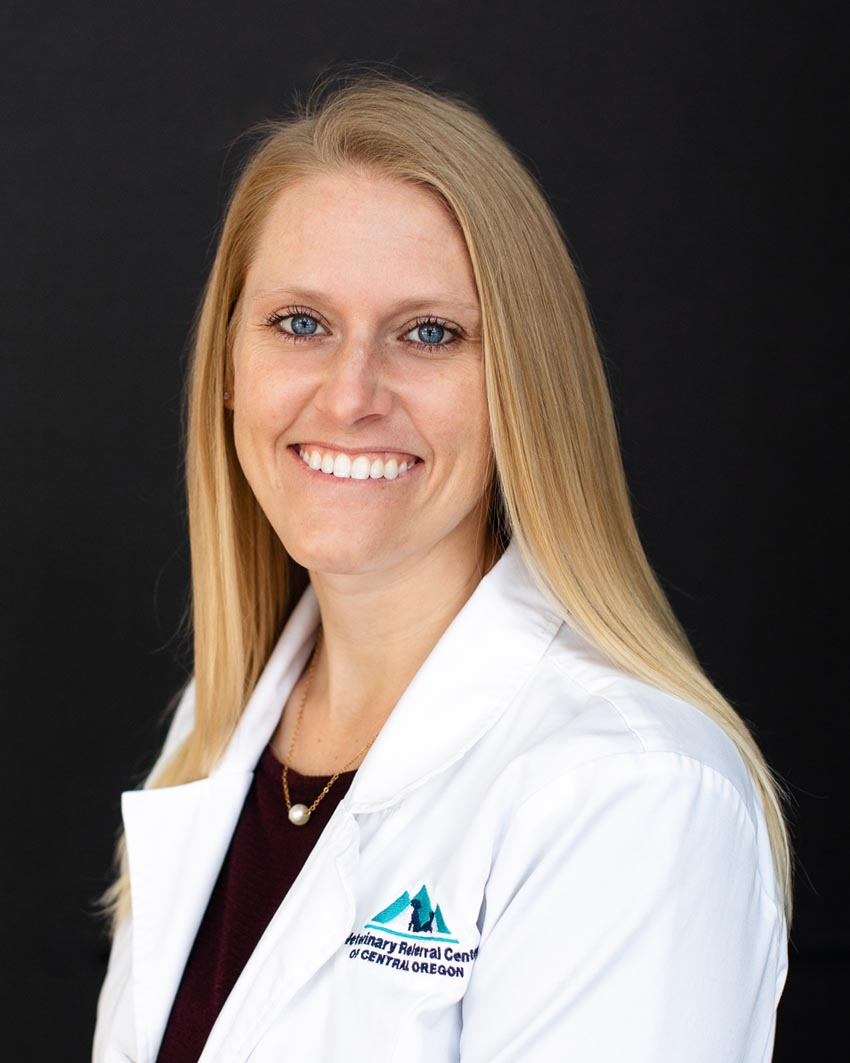 Dr. Leanne Dileo Bend veterinary specialist